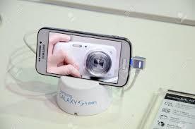 2014 Samsung Galaxy S4 Zoom ...