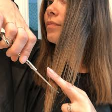 how to cut your own hair is trending