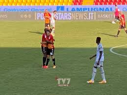 Il Bologna spreca ed è fermato dal Var, vince il Benevento 1-0
