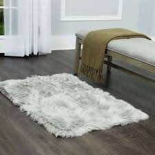 details about nicole miller 24 x 43 faux fur accent rugor bedside rug white or light gray