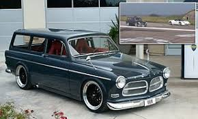 Normaal gesproken een koud kunstje voor de ferrari. Fastest Car In Britain Is A Grey 1967 Volvo Daredevil S Supercharged Family Estate Car Can Hit 205mph Thanks To 788 Horsepower Engine And Watch It Beat A Ferrari 458 Daily Mail Online