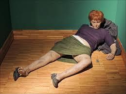 Duane Hanson (1925-1996) - Derelict Woman (1973). Hyperrealistic sculpture  : nextfuckinglevel
