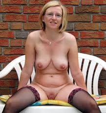 Mature hotties free porn