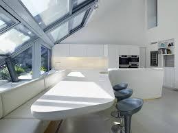 Erstaunlich Lange Mit Küche Insel Mit Weißem Acryl Stein