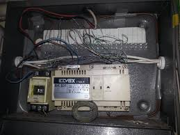 very old henley fuse box diynot forums no power to fuse box in truck at No Power To Fuse Box