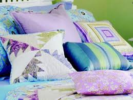 Free Pillow Patterns | AllPeopleQuilt.com & Pastel Delectable Mountains Pillow Adamdwight.com