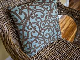 how to clean and paint a wicker chair