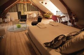 Charming Attic Guest Room at