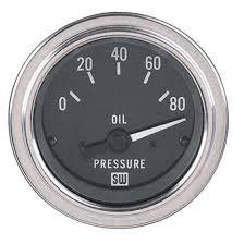 stewart warner 82391 deluxe voltmeter gauge 2 1 16 inch stewart warner 82304 deluxe 2 1 16 in elec oil pressure gauge 0