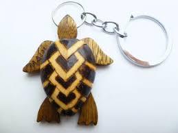 2 wood turtle key chain w wording maui