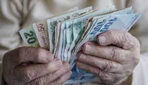 Çifte ödeme bugün hesaplarda! Emekli ikramiyesi ve maaşları yattı mı?