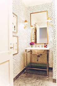 10 Tips for Rocking Bathroom Wallpaper