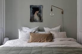 Eine petrolfarbene schlafzimmerwand wirkt beruhigend. Harmonische Farben Furs Haus Sweet Home
