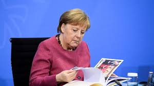 Jun 15, 2021 · there's particularly big uncertainty over how a new government would handle climate legislation, a new set of rules that could determine germany's corporate winners and losers. Ostdeutsche Landerchefs Ruhren Merkel Mit Abschiedsgeschenk Stern De