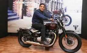 triumph bonneville bobber launched in india priced at rs 9 09
