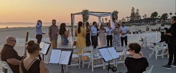 Best jewish wedding band with a dj, debois productions, is based in the beverly hills and los angeles area, provides event wedding bands los angeles: San Diego Jewish Wedding Music San Diego Event Wedding Live Music