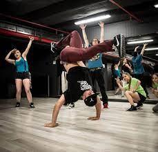 VS DANCE отварят врати за почитателите на брейк танците-нова формация, нови  възможности с Jokata | 359HipHop