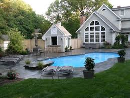 Decoration Awesome Exterior House With Beautiful Backyard Landscape