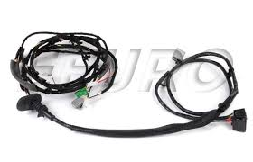genuine volvo tailgate wiring harness 8697924 shipping tailgate wiring harness 8697924 gallery image 1