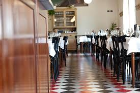 Arredamenti per enoteche trattorie ristoranti e alberghi