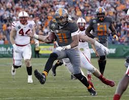 tennessee quarterback joshua dobbs 11 scores a touchdown against nebraska on a 10
