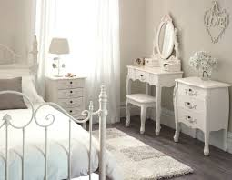 Bedroom: White Vintage Bedroom Furniture Sets