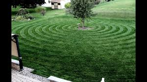 Mowing Patterns Inspiration Circular Lawn StripingPattern YouTube