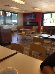 wendy s 23 reviews burgers 10220 sunrise blvd e puyallup wa restaurant reviews phone number yelp