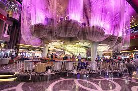 chandelier bar at cosmopolitan