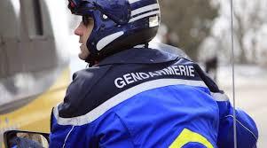 Alpes-Maritimes: Un fourgon prend la fuite après avoir renversé un gendarme