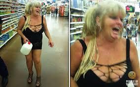 walmart people flashing. Brilliant Walmart People Of Walmart Flashing  Hahahaha Hahahahaa Itu0027s Funny  Cause Itu0027s Gross In T