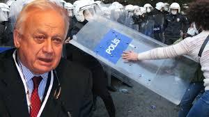 Boğaziçi'nin eski rektörü Üstün Ergüder olayları kaşıyor!