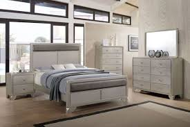 Noviss Queen Bedroom Set in 2018 | Gardner-White's Win A Room ...