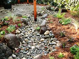 Design A Rock How To Install A Dry Creek Bed How Tos Diy