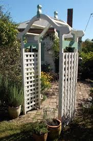 garden arch kent with lattice