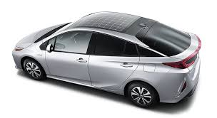 Next-generation Toyota Prius has solar roof for Europe, Japan