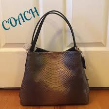 💕NWT💕 Coach Phoebe Leather Shoulder Bag