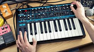 У <b>синтезатора Novation Bass Station</b> II теперь есть режим Aphex ...