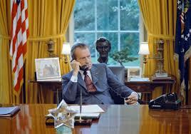 Nixon office Peace Sign President Richard Nixon In The Oval Office 1972 Michigan Radio Remembering Our Nations Secondmost Bizarre President Michigan Radio