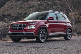 The lowest price model is hyundai venue e and the most priced model of hyundai venue sx plus sport dct priced. 2021 Hyundai Venue Review Trims Specs Price New Interior Features Exterior Design And Specifications Carbuzz