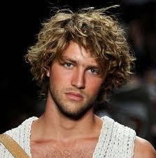 Image Coiffure Homme Cheveux Long Frisé Coupe De Cheveux