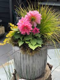 Container <b>Gardens</b> for every porch or patio style + a <b>diy</b> gardener's ...