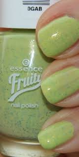 Lak Na Nehty Essence Fruity