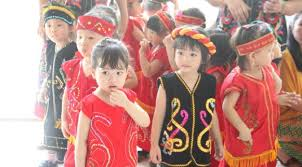 Dan mempertimbangkan model rambut pendek sesuai bentuk wajah. Imutnya Anak Anak Berpakaian Adat Di Hari Kartini Lifestyle Liputan6 Com