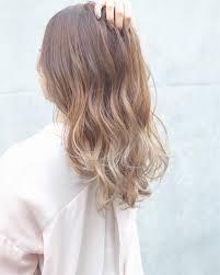 セミロング髪型100選アレンジ次第で上品から可愛らしさまで表現できる