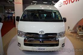 Toyota Hiace spotted testing in India, launches in mid-2015