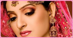 every bride takes much time for her makeup stani beauty parlors are renowned due to their