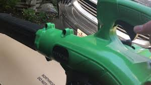 hitachi 23 9cc 2 cycle gas powered handheld leaf blower. hitachi leaf blower review 23 9cc 2 cycle gas powered handheld