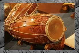Kendhang, atau gendang adalah instrumen dalam gamelan yang salah satu fungsi utamanya mengatur irama. 16 Contoh Alat Musik Ritmis Tambah Pinter