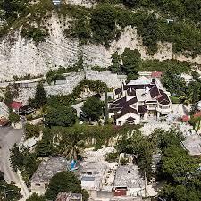 Haiti Police Hold President's Palace ...